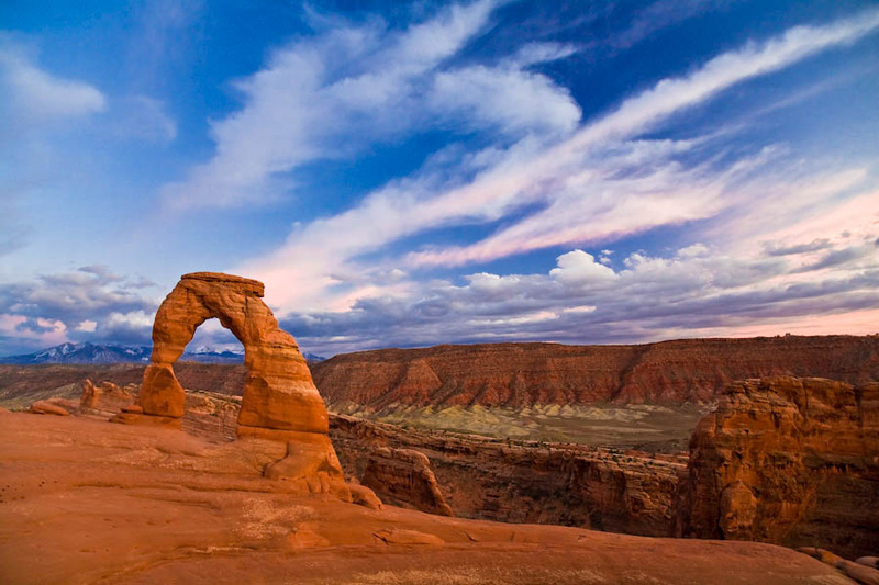 arches-national-park-page-delicate-arch-sunset-full