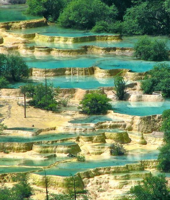 Maravillosas piscinas colgantes naturales en el mundo 10