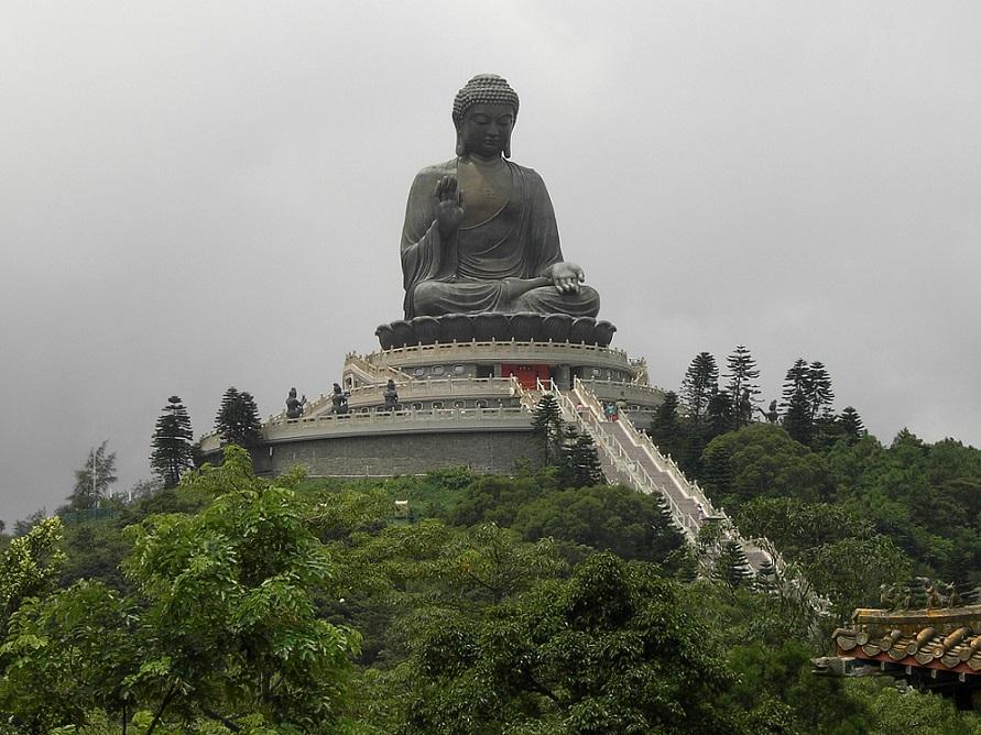 Tian_Tan_Buddha_on_Lantau_Island_Hong_Kong_1