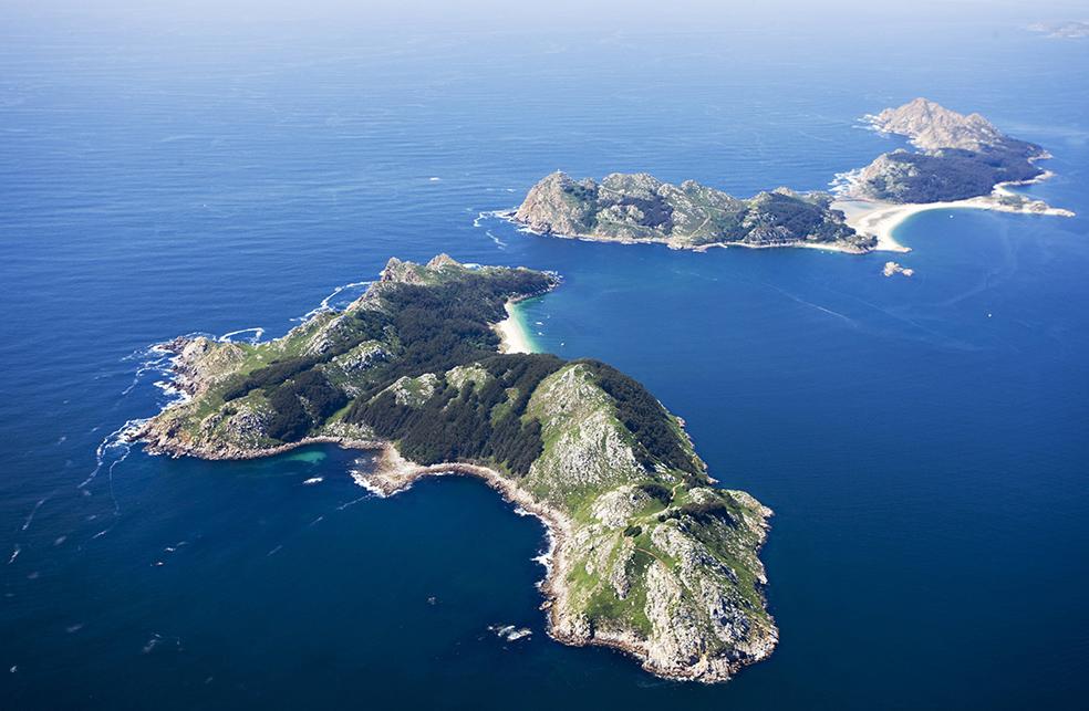 The Cies Islands : Travels