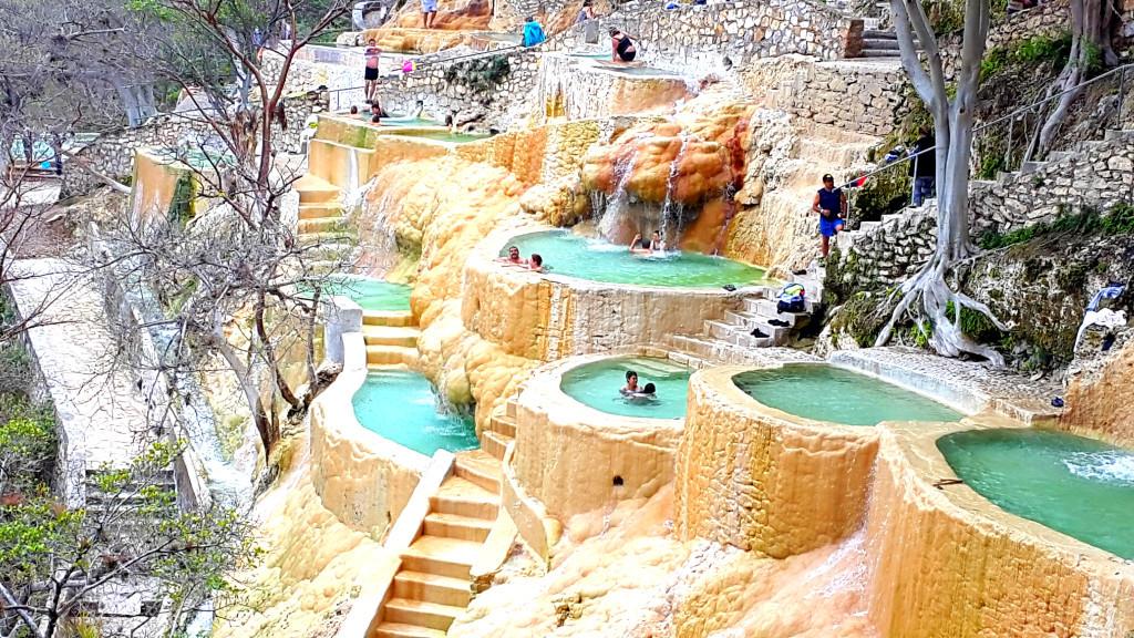 tolantongo-grottos